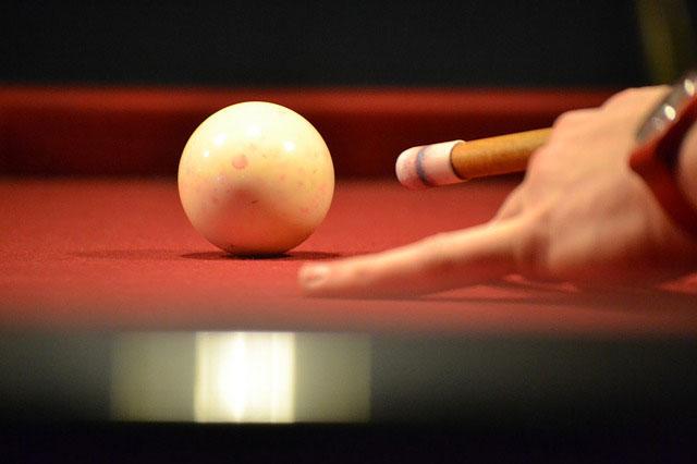 hitting-the-white-ball